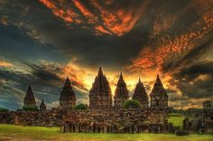 Prambanan Temple with all its beauty and its natural panorama. Travel services and service between the Prambanan visit our website https://wiratourjogja.com/ or http://wiratourjogja.co.id/ and https://wiratourjogja.com/candi-prambanan/