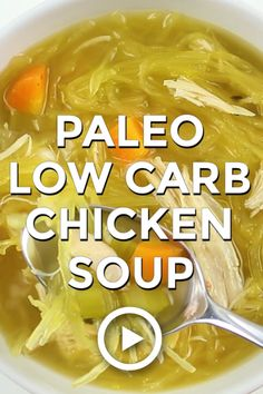 Paleo Low Carb Chicken Soup by Wholesome Yum. The best keto paleo chicken noodle soup! This low carb chicken soup recipe is super easy with just 8 ingredients and 10 minutes prep time. Paleo Vegan, Paleo Soup, Healthy Soup, Paleo Chili, Paleo Pizza, Paleo Bread, Healthy Fats, Low Carb Soup Recipes, Ketogenic Recipes