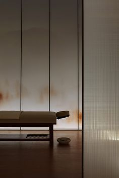 Shanghai-based Hip-pop design team has used the Austrian neurologist as a reference for Jiyu Spa in order to access a dream-like state through spatial activation. Rooms Decoration, Decoration Design, Spa Treatment Room, Spa Treatments, Shanghai, Spa Interior Design, Salon Design, Design Concepts, Ad Design