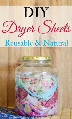 DIY Dryer Sheets - Reusable and Natural Homemade Laundry Products Homemade Cleaning Products, Cleaning Recipes, Natural Cleaning Products, Cleaning Hacks, Diy Hacks, Natural Products, Cleaning Supplies, Cleaning Solutions, Soap Recipes