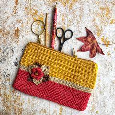 Crochet Hobo Bag, Crochet Coin Purse, Crochet Pouch, Crochet Hooks, Knit Crochet, Crochet Designs, Crochet Patterns, Crochet Clutch Pattern, Diy Gifts