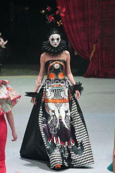 Sebastian Gunawan Sebastian Gunawan, Exhibit, Drapery, Fashion Show, Gown, Designers, Wonder Woman, Costumes, Superhero