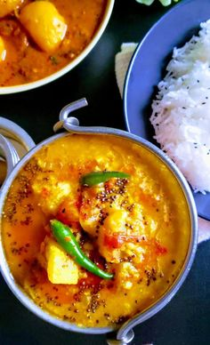 Instant Pot Moong Dal with Bottle Gourd/Zucchini - myspicetrunk Indian Food Recipes, Asian Recipes, Ethnic Recipes, Moong Dal Recipe, Yellow Lentils, Indian Flat Bread, Colorful Vegetables, Lentil Recipes, Fried Potatoes