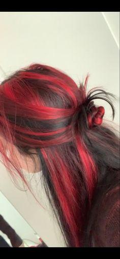Red Hair Streaks, Dyed Red Hair, Dye My Hair, Hair Tips Dyed, Hair Inspo, Hair Inspiration, Underdye Hair, New Hair, Hair Color Underneath