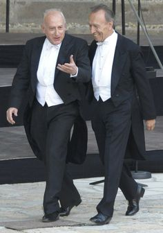 Claudio Abbado with pianist Maurizio Pollini (i) before a concert with the Berlin Philharmonic in 2008