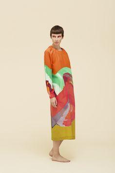 Marimekko Movement Limited Edition Collection Dress Fashion Fabric, Fashion Prints, Fashion Design, Simple Geometric Designs, Hermes, Africa Fashion, Marimekko, Textile Design, Vintage Fashion