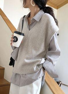 Women's Commuting Sleeveless Round Neck V-Neck Knit Tank Top Sweater - Korean fashion Vest Outfits, Mode Outfits, Cute Casual Outfits, Fall Outfits, Fashion Outfits, Womens Fashion, Sweater Vest Outfit, Korean Women Fashion, Korean Fashion School