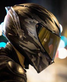 Camo on Carbon Fiber. Motorcycle Helmet Design, Womens Motorcycle Helmets, Motorcycle Bike, Motorcycle Girls, Moto Design, Agv Helmets, Custom Helmets, Biker Gear, Cool Motorcycles