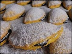Mrkvánky s povidly Christmas Sweets, Christmas Baking, Czech Recipes, Cooking Recipes, Healthy Recipes, Holiday Cookies, Healthy Baking, Amazing Cakes, Sweet Recipes
