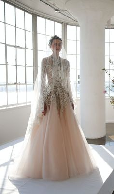 St.Regis Marchesa Bridal. The Veil makes the perfect touch to dramatic bridal look!