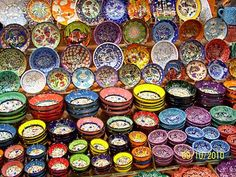 Google Image Result for http://1.bp.blogspot.com/__SvRwy0LLTE/TLg0SzjRDLI/AAAAAAAABsg/gqgYX3gVvL8/s400/all+kinds+of+pretty+bowls.jpg