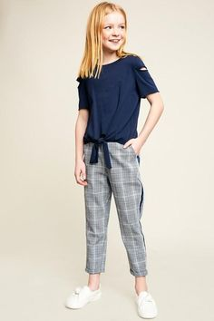 Girls Plaid Trouser With Tape Detail Girls Plaid Trouser With Tape Detail Teen Clothing for girls Save Images Teen Clothing for girls Girls Plaid Trou… – Preteen Preteen Fashion, Teen Fashion Outfits, Kids Fashion, Fashion Ideas, Kids Outfits Girls, Cute Outfits For Kids, Girl Outfits, Moda Junior, Trousers For Girls