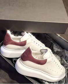 Alexander Mcqueen sneakers - all sorts available - 36 - 42 - Shipping worldwide - Price: Pretty Shoes, Cute Shoes, Me Too Shoes, Sneakers Fashion, Fashion Shoes, Sneakers Nike, Pink Fashion, Style Stan Smith, Alexander Mcqueen Sneakers