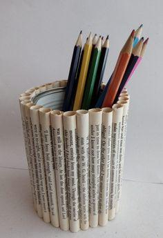 Säilykepurkin uusi elämä. 2017. Paper Crafts Origami, Cardboard Crafts, Tin Can Crafts, Crafts To Do, Diy Crafts Hacks, Diy Home Crafts, Newspaper Crafts, Book Crafts, Craft From Waste Material