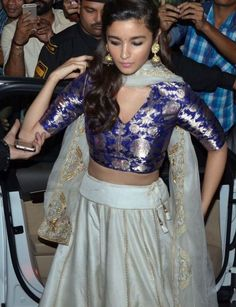 Alia Bhatt wearing a Sanjay Garg lehenga Indian Skirt, Indian Dresses, Alia Bhatt, Indian Wedding Outfits, Indian Outfits, Indian Attire, Indian Wear, Mumbai, Indian Bridesmaids