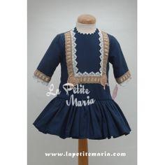Marita Rial. Vestido de talle bajo en azul marino.