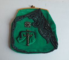 Hey, I found this really awesome Etsy listing at https://www.etsy.com/listing/88327112/emerald-velvet-clutch-green-fashion