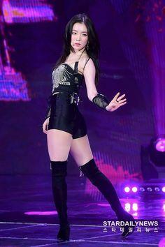Red Velvet アイリーン, Irene Red Velvet, Stage Outfits, Kpop Outfits, Seulgi, Estilo Madison Beer, Red Velet, Mode Rock, Velvet Fashion