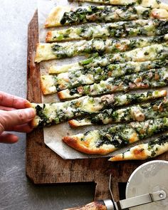 Homemade Pizza - The Last Order Homemade Pizza - The Last Order Wine Recipes, Asian Recipes, Real Food Recipes, Cooking Recipes, Yummy Food, Healthy Recipes, Cheesy Recipes, Quiche Recipes, Cooking Bread