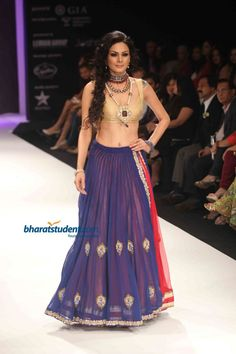 For the Bride - Golecha's Jewels http://golechajewels.in/ Show at IIJW 2012