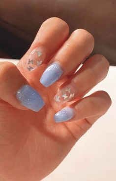 acrylic nails short \ acrylic nails ` acrylic nails coffin ` acrylic nails short ` acrylic nails almond ` acrylic nails designs ` acrylic nails for summer ` acrylic nails coffin summer ` acrylic nails coffin short Nail Design Glitter, Blue Nails With Design, White Acrylic Nails With Glitter, Blue And White Nails, Light Blue Nails, Pink Glitter Nails, Blue Glitter, Blue Acrylic Nails, Simple Acrylic Nails