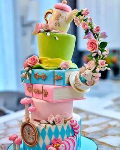 "Cake Art Lookbook on Instagram: ""When🎂 is art! This artistic creation via @duetbakery #cake #art #fondantart #specialtycakes #cakedecorator #cakevideo #caketutorial…"" Alice In Wonderland Cakes, Alice In Wonderland Birthday, Crazy Cakes, Cake Videos, Specialty Cakes, Cake Tutorial, Cake Creations, Fondant Cakes, Custom Cakes"