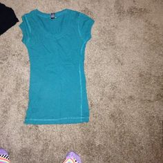 Crew neck tee Turquoise crew neck tee fitted Rue 21 Tops Tees - Short Sleeve