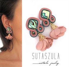 Cream Earrings, Pink Earrings, Flower Earrings, Beaded Earrings, Shell Earrings, Pink Jewelry, Etsy Jewelry, Handmade Beaded Jewelry, Earrings Handmade