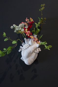 white ceramic heart home decoration by Seletti. in case yours is broken. flowers in vase ceramic heart by Seletti. Arte Peculiar, Arte Fashion, Heart Art, Clay Crafts, Ceramic Art, Art Inspo, Sculpture Art, White Ceramics, Art Projects