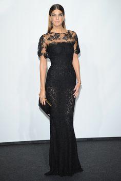 Vendredi 20 septembre: Bianca Brandolini d'Adda porte une longue en dentelle Dolce & Gabbana automne-hiver 2013, lors du Gala de l'amfAR de ...