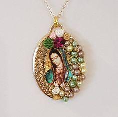 Collar- Colgante Imagen de la Virgen de Guadalupe y Chapa de Oro. Collar Religioso. Artesanal. Hecho en México. Pieza Única. Lady Guadalupe
