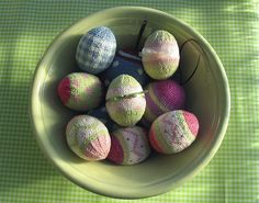 knitted easter eggs - now here is something for me to learn - pronto!