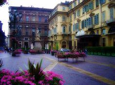 Torino: Turin, Piazza Carignano >> Sfoglia le Offerte!