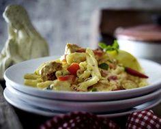 Casarecce mit knusprigen Hähnchenstreifen und Paprika-Frischkäse-Soße