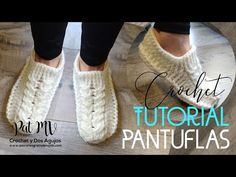 PANTUFLAS CROCHET con TRENZA ✅ Tutorial - YouTube Crochet Shoes, Crochet Slippers, Love Crochet, Loom Knitting, Baby Knitting, Yoga Socks, Fingerless Gloves, Arm Warmers, Bandana