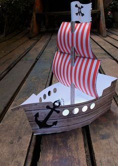 Boat Crafts, Pirate Crafts, Pirate Birthday, Pirate Theme, Art Drawings For Kids, Art For Kids, Navy Party Themes, Cardboard Pirate Ship, Nautical Party