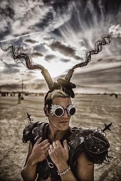 "<div class=""img-metadata""><span class=""img-metadata__title"">Marek Musil: World On Fire (festival Burning Man)</span><span class=""img-metadata__spacer"">|</span><span class=""img-metadata__author"">foto: Marek Musil</span><span class=""img-metadata__spacer--comma"">,</span><span class=""img-metadata__source"">archiv Marka Musila</span></div>"