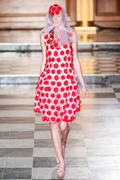 #SimoneRocha #2015 #Fashion #Show #ss2015 #lfw #London #Fashionweek via @TheCut