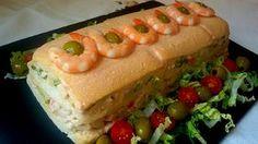 Este pastel de marisco es una receta muy fácil.. Cuanto más cuidada sea la presentación, más festivo quedará este entrante. Y es que los pasteles salados triunfan siempre allá donde vayan. Éste tiene la ventaja de que no requiere ningún tipo de cocción, sino que se trata de una...