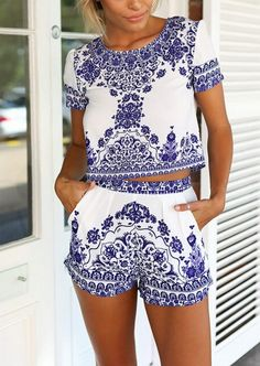 Blue White Short Sleeve Floral Crop Top With Shorts 19.67