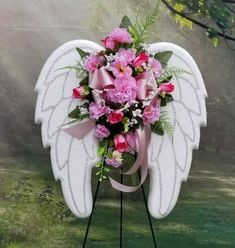 Funeral Flower Arrangements, Funeral Flowers, Floral Arrangements, Diy Wreath, Wreaths, Flower Colouring In, Diy Angel Wings, Floral Quotes, Grave Decorations