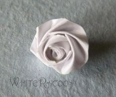 Russian version of this tutorial - Все то же самое, только по-русски!  Many of you know how to fold roses, and there's a plenty of different...