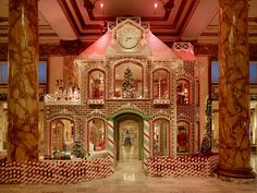 I'm gonna have to visit the Fairmont San Francisco's 22' gingerbread house