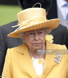 Royal Ascot - June 2009 in Rachel Trevor Morgan. The queen does not look happy about something. Royal Ascot - June 2009 in Rachel Trevor Morgan. The queen does not look happy about something. Hm The Queen, Royal Queen, Her Majesty The Queen, Save The Queen, Queen Hat, Queen Outfit, Prince Charles And Diana, Prince Philip, Fascinator
