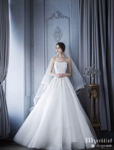 MYWEDDING 아뜰리에 로리에 웨딩드레스 Noble Silhouette Dream Wedding Dresses, Bridal Dresses, Wedding Gowns, Sparkle Wedding, Elegant Wedding, Dress Vestidos, Beautiful Gowns, One Shoulder Wedding Dress, Marie