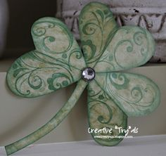 """Creative """"Try""""als: St. Patrick's Day Decor - Paper Shamrock Tutorial"""