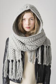 "Neulottu huppuhuivi ohje ""A knitted hood scarf ♡ Neulottu huppuhuivi Novita Hile"", ""Knitted needles stylish hooded scarf with braids"" Knitted Shawls, Crochet Scarves, Knit Crochet, Crochet Hats, Braided Scarf, Mode Boho, Hand Knitting, Knitwear, Ideias Fashion"