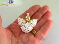 My Angel Caller ( PDF Beading tutorial in Italian or in English Beading Patterns, Crochet Patterns, Beaded Angels, Beading Needles, Christmas Jewelry, Special Gifts, Seed Beads, Weaving, Etsy
