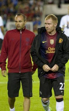"""""""Iniesta: """"I love Paul Scholes. I ran up to him at Wembley to get his shirt, it's on the wall at my house. Manchester United Images, Manchester United Football, Man Utd Fc, Football Icon, Victoria Justice, Soccer Teams, The Unit, Theatre, Religion"""