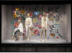 WEBSTA @ rentalmannequineurope - GUCCI spring summer #windowdisplay #paperflower #visualoflife #visualmerchandising